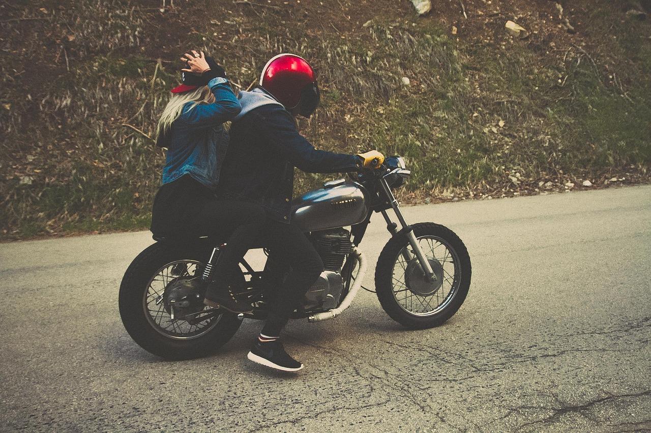 Odzież motocyklowa – te 3 podstawowe elementy dbają o twoje bezpieczeństwo