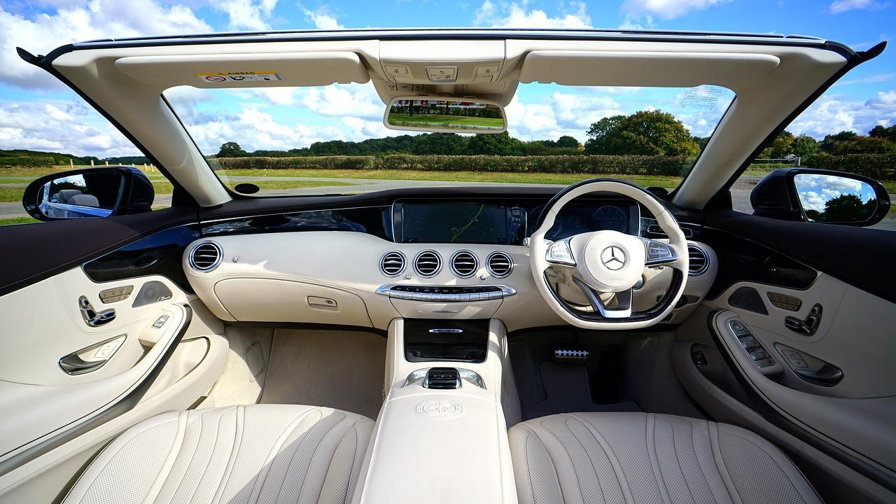 Ułatw sobie życie dzięki tym inteligentnym gadżetom samochodowym.